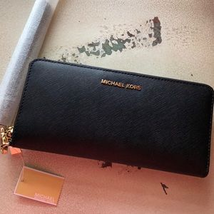 NWT Michael Kors Large Wallet